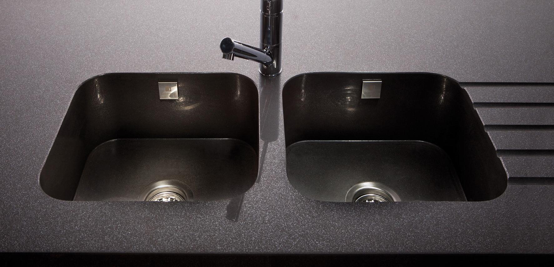 Plans de travail pour cuisine et salle de bains silgranit33 for Silestone precio