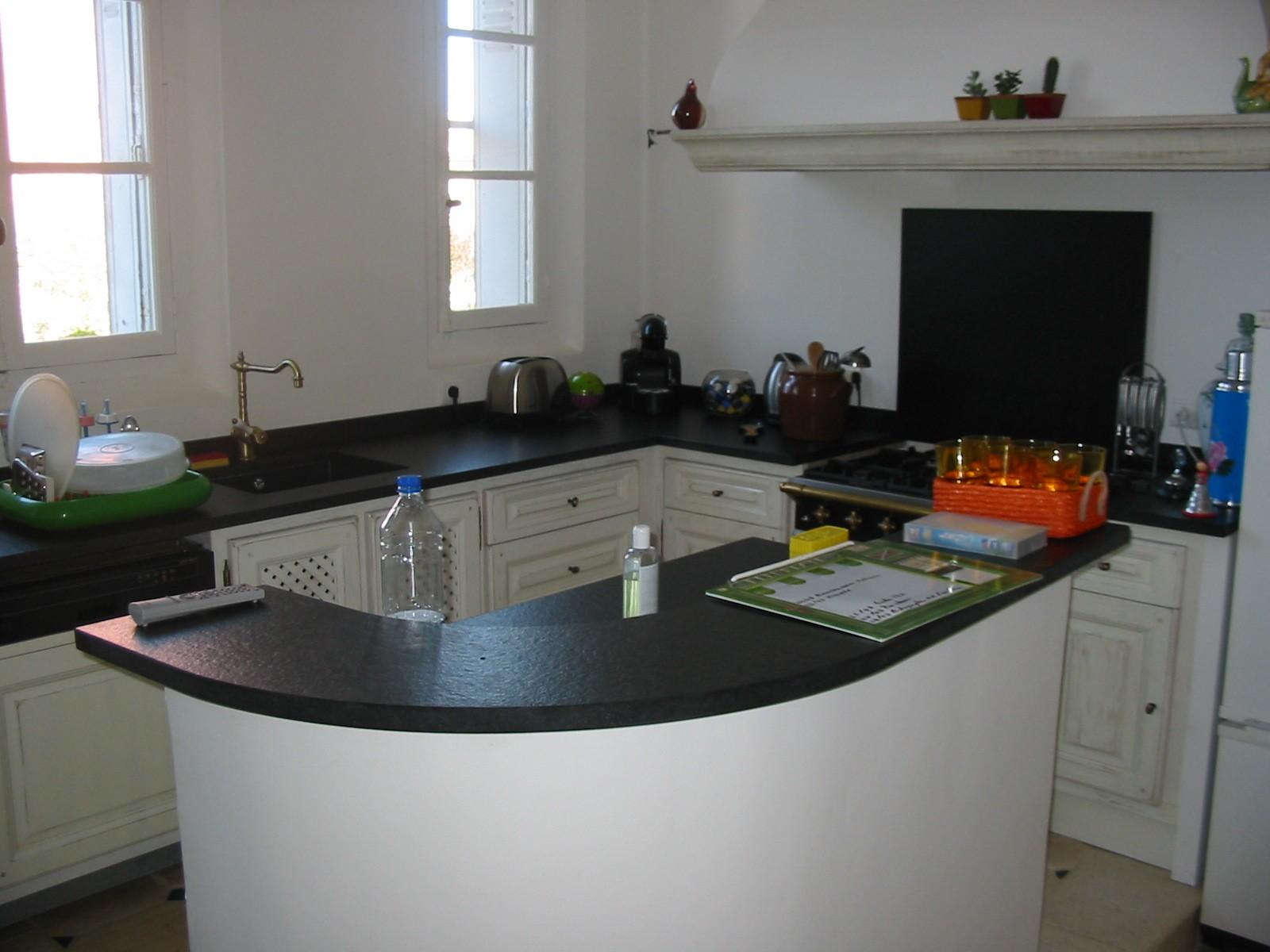 Plans de travail pour cuisine et salle de bains silgranit33 for Table plan de travail cuisine